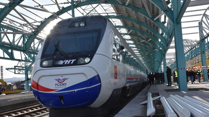 Yüksek Hızlı Tren ilk kez Sivas tren garında!