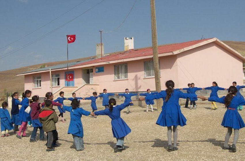 Sivas'ta Köylere Teknoloji Sınıfları Kurulacak
