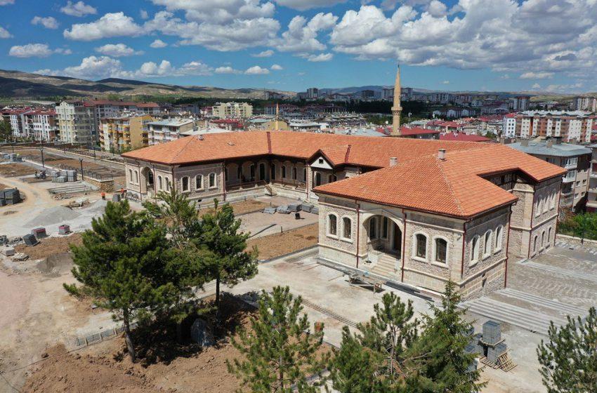 Yapımı Tamamlanan Sanayi Mektebî Müzesi Açılışa Hazırlanıyor