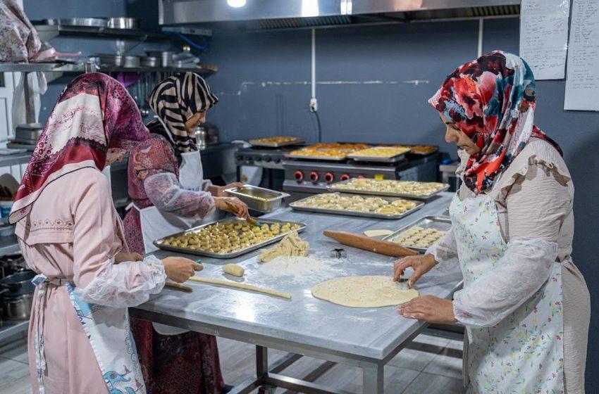 İlçede Pastane Yoktu, Kadınlar Birlik Olup Pastane Açtı